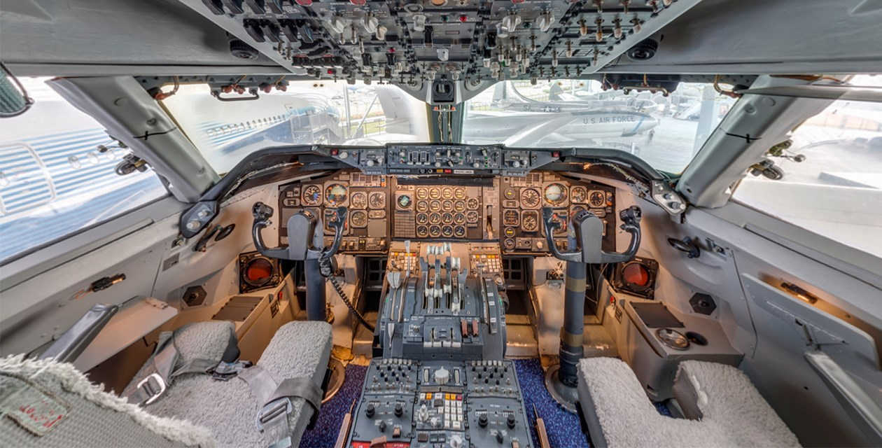 Boeing 747 Cockpit - Virtual Tours